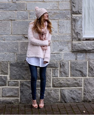 How to wear: pink fluffy crew-neck sweater, white dress shirt, navy skinny jeans, pink leather heeled sandals