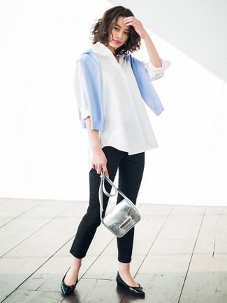 How to wear: light blue crew-neck sweater, white dress shirt, black skinny pants, black leather ballerina shoes