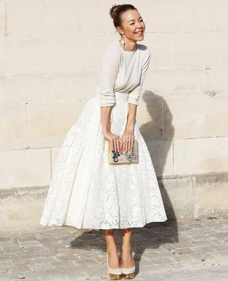 How to wear: beige crew-neck sweater, white lace full skirt, beige suede pumps, beige print leather clutch