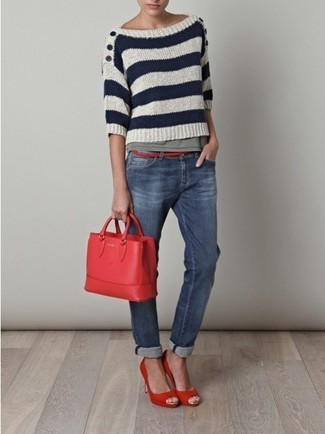 Dress in a white and navy striped crew-neck pullover and blue jeans to effortlessly deal with whatever this day throws at you. Take a classic approach with the footwear and go for a pair of red pumps.