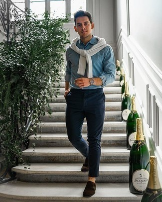 Dress Shoes Outfits For Men: Extremely dapper and functional, this casual pairing of a white crew-neck sweater and navy chinos brings variety. To bring some extra definition to your look, complement this ensemble with a pair of dress shoes.