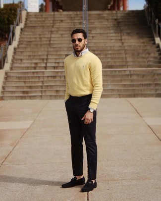 Black Chinos Outfits: Why not choose a yellow crew-neck sweater and black chinos? As well as very functional, these two items look awesome when paired together. If you need to instantly lift up this look with footwear, why not complete your outfit with black suede loafers?