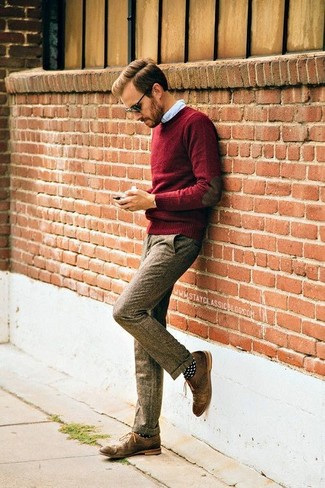 How to Wear Dark Brown Dress Pants For Men: For a look that's refined and absolutely gasp-worthy, consider teaming a burgundy crew-neck sweater with dark brown dress pants. For something more on the dressier end to finish your look, add a pair of brown leather oxford shoes to the equation.