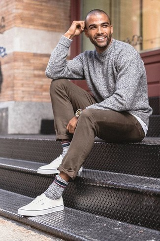 How to Wear Grey Wool Socks For Men: This edgy combo of a grey crew-neck sweater and grey wool socks couldn't possibly come across as anything other than seriously dapper. Add a pair of white canvas low top sneakers to your getup to instantly change up the outfit.