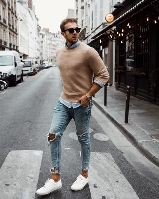 How to Wear a Tan Crew-neck Sweater For Men: A tan crew-neck sweater and light blue ripped skinny jeans are a savvy outfit formula to keep in your wardrobe. For a truly modern hi/low mix, add white low top sneakers to the mix.