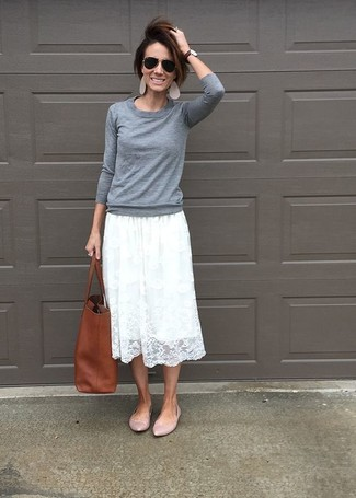 How to wear: grey crew-neck sweater, white pleated lace midi skirt, pink leather ballerina shoes, brown leather tote bag