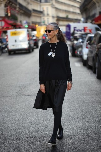 Black Oxford Shoes with Tights Outfits: This pairing of a black crew-neck sweater and tights is the ultimate chic casual ensemble. Turn up the formality of this look a bit by wearing black oxford shoes.