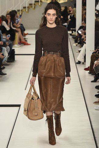 How to wear: dark brown crew-neck sweater, brown leather pencil skirt, brown leather lace-up ankle boots, tan suede tote bag