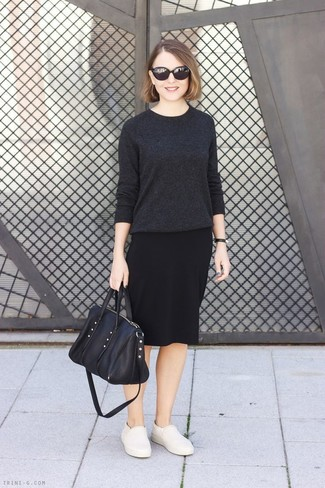 How to wear: charcoal crew-neck sweater, black pencil skirt, beige leather slip-on sneakers, black leather tote bag
