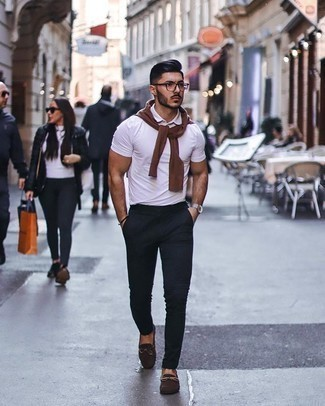 Bracelet Outfits For Men: This combination of a brown crew-neck sweater and a bracelet is hard proof that a safe casual look can still look really interesting. Add dark brown suede driving shoes to the mix for an instant style upgrade.