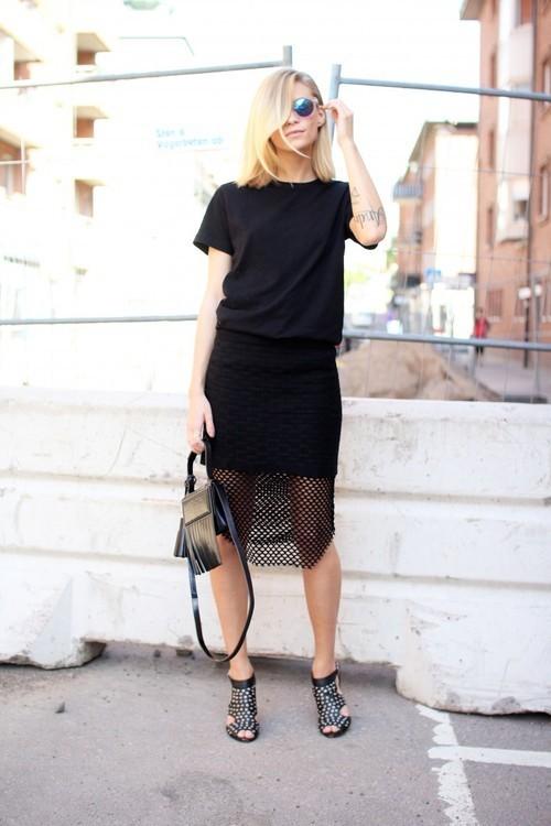 s black crew neck t shirt black lace pencil skirt