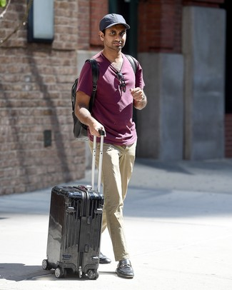 How to wear: purple crew-neck t-shirt, beige chinos, black leather loafers, black backpack