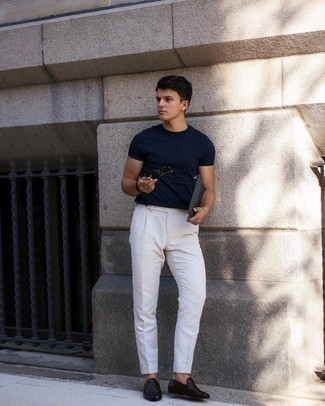 Black Leather Zip Pouch Outfits For Men: A navy crew-neck t-shirt and a black leather zip pouch are essential in any modern man's functional casual arsenal. Go the extra mile and shake up your outfit with a pair of dark brown woven leather loafers.