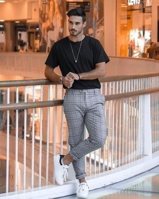 How to Wear White No Show Socks For Men: If it's ease and functionality that you're looking for in an outfit, rock a black crew-neck t-shirt with white no show socks. Complement your outfit with white and black canvas low top sneakers to avoid looking too casual.