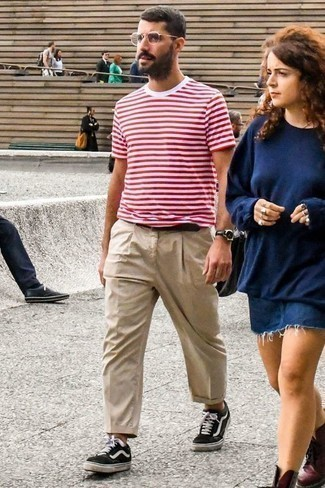 White and Red Horizontal Striped Crew-neck T-shirt Outfits For Men: Opt for a white and red horizontal striped crew-neck t-shirt and beige chinos to feel unstoppable and look fashionable. A pair of black and white canvas low top sneakers looks wonderful finishing your ensemble.