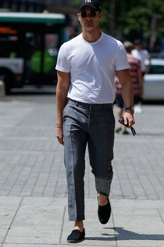 How to Wear a Baseball Cap For Men: A white crew-neck t-shirt and a baseball cap are a bold casual combo that every style-conscious guy should have in his off-duty sartorial arsenal. Black canvas espadrilles are an effective way to infuse a sense of elegance into your ensemble.