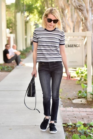 How to wear: white and black horizontal striped crew-neck t-shirt, black jeans, black athletic shoes, black leather handbag