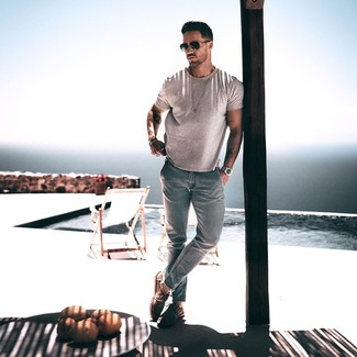 How to wear: grey crew-neck t-shirt, light blue jeans, brown suede derby shoes, black sunglasses