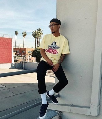 Black Low Top Sneakers Outfits For Men