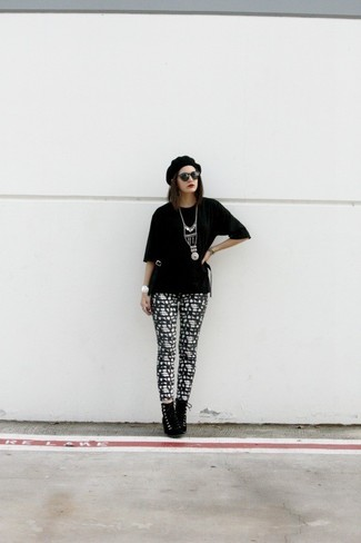 Women's Black Crew-neck T-shirt, Black and White Print Leggings, Black Suede Lace-up Ankle Boots, Black Beret
