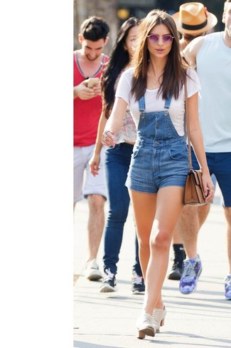 How to wear: white crew-neck t-shirt, blue denim overall shorts, white canvas oxford shoes, brown leather crossbody bag