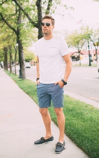 How to Wear a Black Beaded Bracelet For Men: If you're on a mission for a city casual and at the same time sharp ensemble, rock a white crew-neck t-shirt with a black beaded bracelet. Our favorite of a great number of ways to complement this look is a pair of charcoal canvas boat shoes.