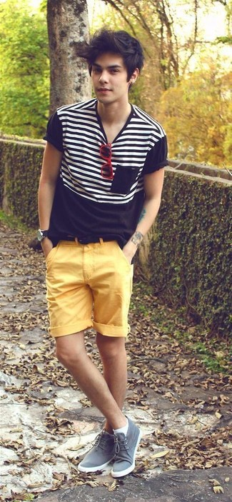How to wear: black and white horizontal striped crew-neck t-shirt, yellow shorts, grey suede desert boots, black suede belt