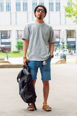 Brown Shoes with Beanie Relaxed Outfits For Men: This relaxed pairing of a grey crew-neck t-shirt and a beanie couldn't possibly come across as anything other than incredibly dapper. Complement this ensemble with a pair of tobacco suede sandals to keep the getup fresh.