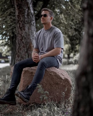 Grey Crew-neck T-shirt Outfits For Men: This modern casual combo of a grey crew-neck t-shirt and charcoal skinny jeans can only be described as outrageously stylish. For something more on the dressier end to round off your outfit, add black leather casual boots to this outfit.