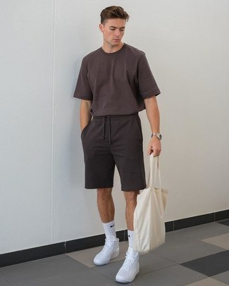Socks Outfits For Men: This pairing of a dark brown crew-neck t-shirt and socks combines comfort and confidence and helps keep it simple yet current. Why not complement your outfit with white canvas high top sneakers for an extra dose of sophistication?
