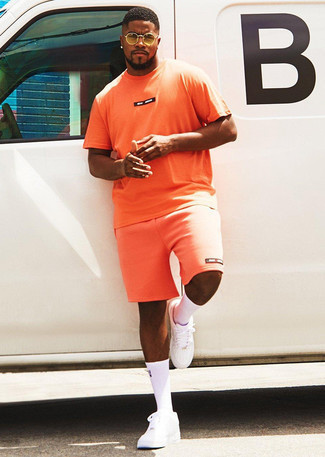 Men's Orange Print Crew-neck T-shirt, Orange Sports Shorts, White Leather Low Top Sneakers, Yellow Sunglasses