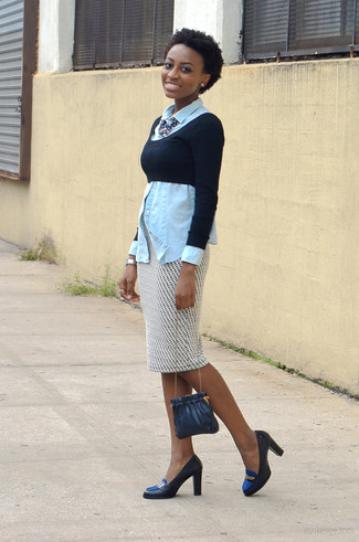A denim shirt and a white and black geometric pencil skirt are both versatile essentials that will give your outfits a subtle modification. For the maximum chicness rock a pair of navy leather pumps. So if you're after a look that's on-trend but also totally spring_friendly, you found it.