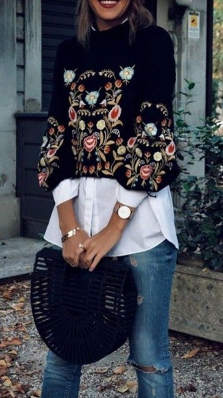 How to wear: black embroidered cropped sweater, white dress shirt, blue ripped skinny jeans, black suede clutch