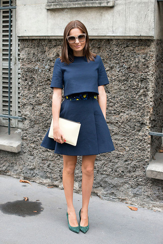 How to wear: navy cropped top, navy full skirt, green suede pumps, beige leather clutch