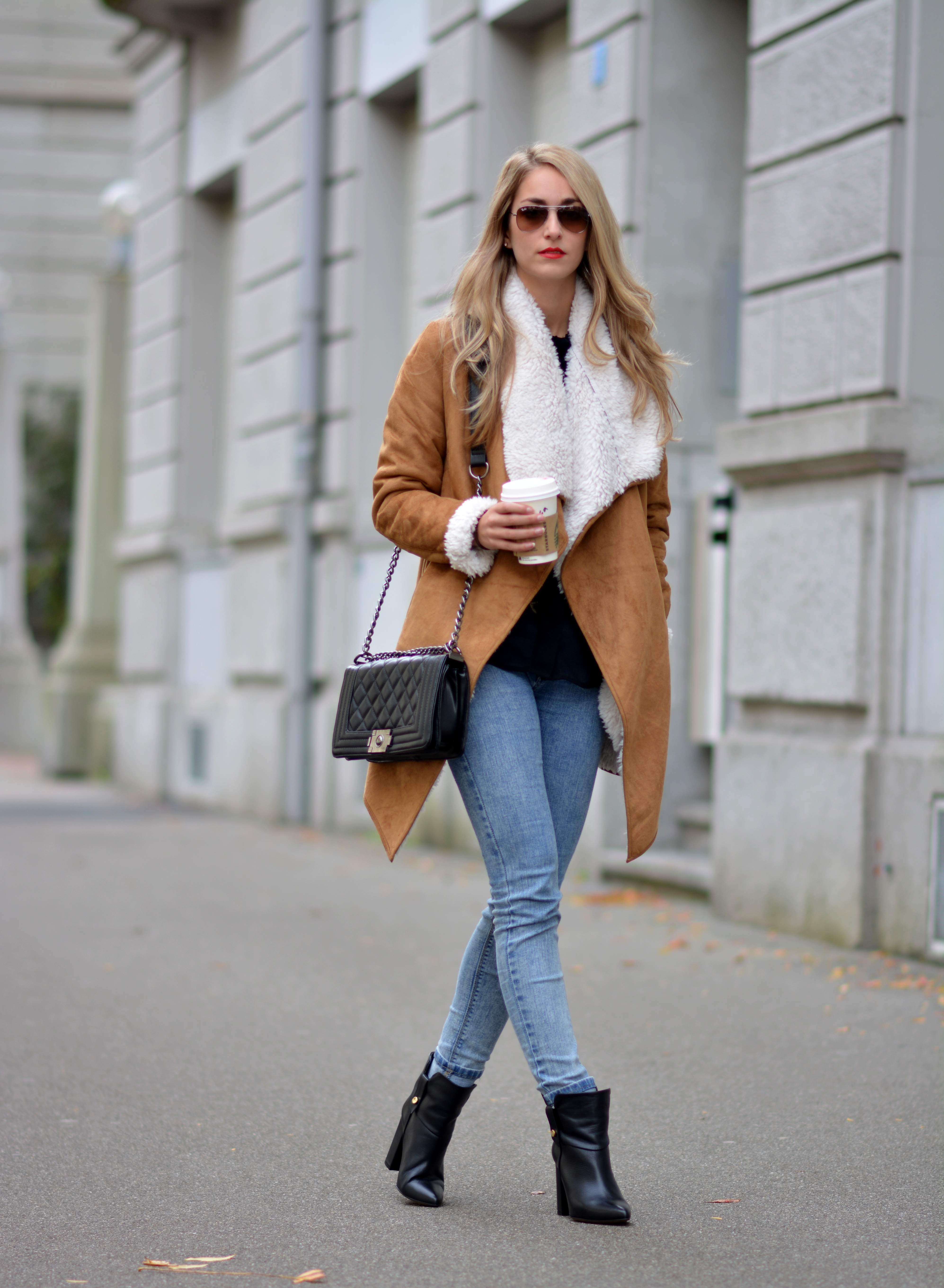 Elegant  Icing Scarf  Black Leather Boots Expressions Boots  Buckle Jeans