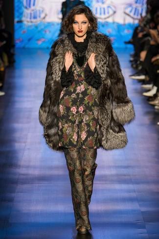 How to wear: dark brown fur coat, black ruffle long sleeve blouse, black print wide leg pants