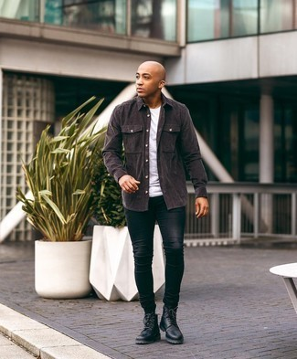 Men's Outfits 2020: Why not consider wearing a dark brown corduroy long sleeve shirt and black skinny jeans? As well as super comfortable, these two pieces look cool when worn together. To give your look a more polished aesthetic, why not complement your look with a pair of black leather casual boots?