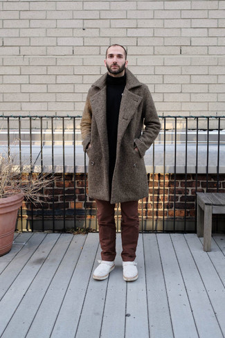 Brown Chinos Smart Casual Outfits: Such pieces as a dark brown overcoat and brown chinos are the ideal way to inject extra elegance into your casual fashion mix. Clueless about how to round off this getup? Rock white suede chelsea boots to lift it up.