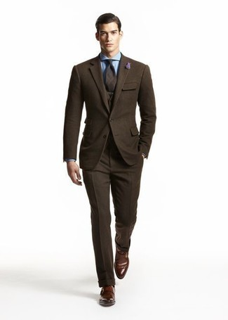 Tie Outfits For Men: You're looking at the solid proof that a dark brown wool three piece suit and a tie are amazing when paired together in a sophisticated ensemble for today's gentleman. Go the extra mile and switch up your outfit by wearing a pair of dark brown leather monks.