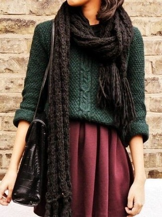 How to Wear a Dark Brown Knit Scarf For Women: A dark green cable sweater and a dark brown knit scarf are a pairing that every chic woman should have in her casual collection.
