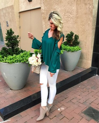 How to wear: dark green ruffle long sleeve blouse, white ripped skinny jeans, grey suede ankle boots, grey print canvas tote bag