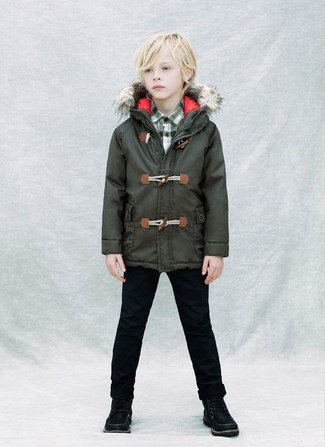 Boys' Looks & Outfits: What To Wear In 2020: Go for a dark green parka and black jeans for your child for a fun day in the park. Round off this style with black boots.