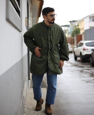 Mint Sunglasses Outfits For Men: A dark green raincoat and mint sunglasses are awesome menswear essentials to add to your daily casual wardrobe. Finishing off with brown suede casual boots is a fail-safe way to introduce a little depth to this look.