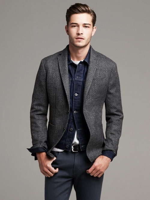 How To Wear a Charcoal Wool Blazer With a White Crew-neck T-shirt ...