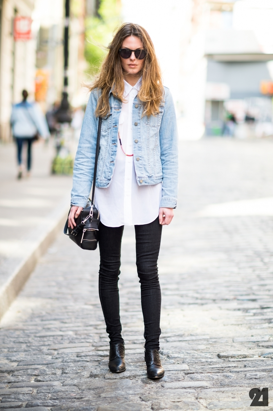 How to Wear a Light Blue Denim Jacket (102 looks) | Women's Fashion