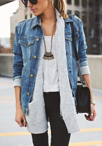 Dress in a tank and black skinny jeans for a comfortable outfit that's also put together nicely.