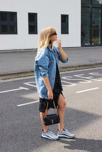 How to wear: blue denim jacket, black star print casual dress, grey athletic shoes, black quilted leather crossbody bag