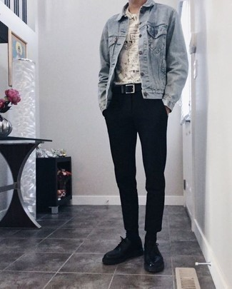 How to Wear a Black Leather Belt For Men: If you feel more confident in comfortable clothes, you'll like this off-duty pairing of a light blue denim jacket and a black leather belt. If you want to effortlesslly rev up your outfit with shoes, introduce black leather derby shoes to your getup.