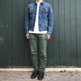 Blue Denim Jacket with Olive Pants Outfits For Men In Their 30s: This combination of a blue denim jacket and olive pants is great for most casual settings. Why not take a more polished approach with shoes and add a pair of dark brown leather desert boots to your ensemble? A good, less conservative combination for a young man.