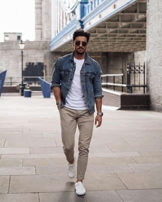 Black Sunglasses Outfits For Men: This look with a blue denim jacket and black sunglasses isn't hard to score and is easy to adapt. Complement this ensemble with white canvas low top sneakers for an added touch of polish.
